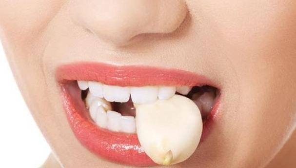 Benarkah Berat Badan Bisa Turun Dengan Makan Bawang Putih?