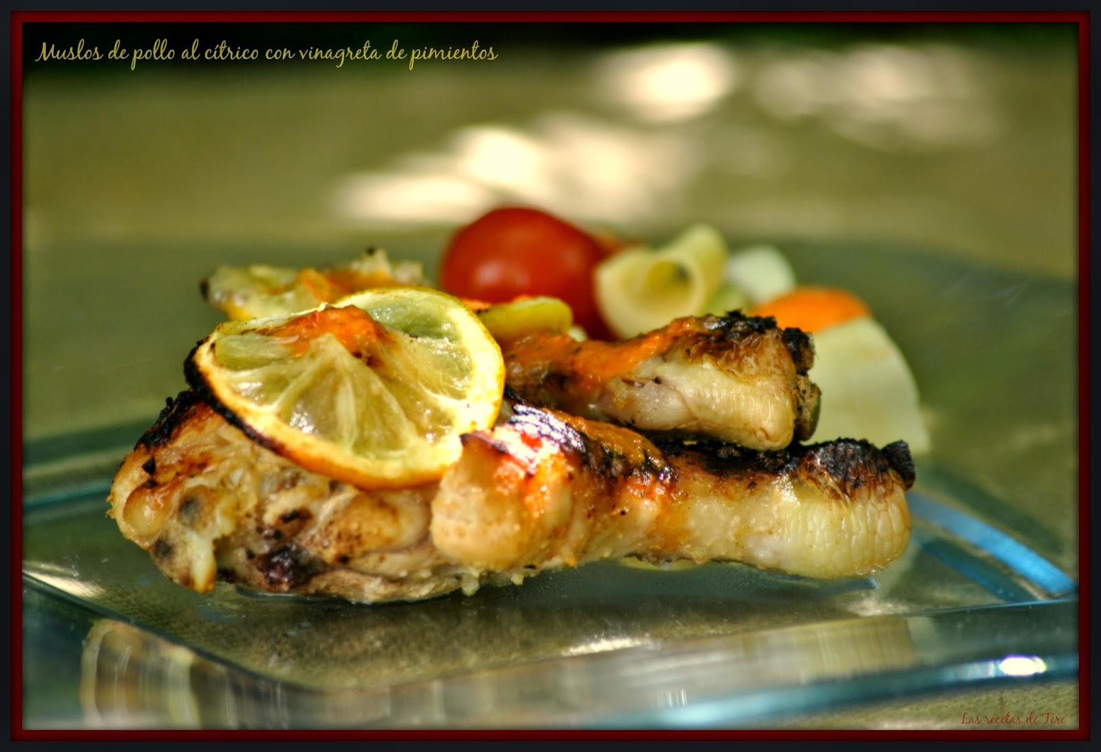 Muslos de pollo al cítrico con vinagreta de pimientos 02
