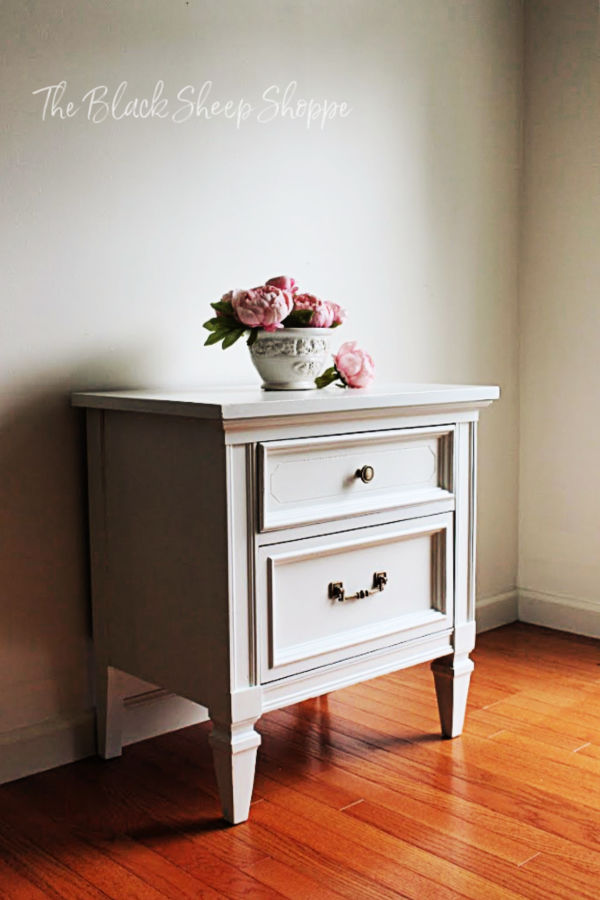 Dixie nightstand painted with Wise Owl One Hour Enamel.