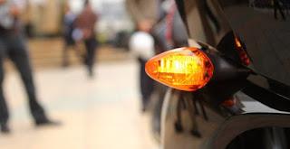 Đèn xi nhan có màu gì? Tưởng dễ nhưng 90% mọi người đều trả lời sai đấy