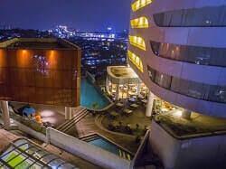 Hotel Sensa satu kawasan dengan Mall Cwalk