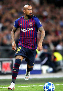 Vidal mengundang kritik banyak kalangan