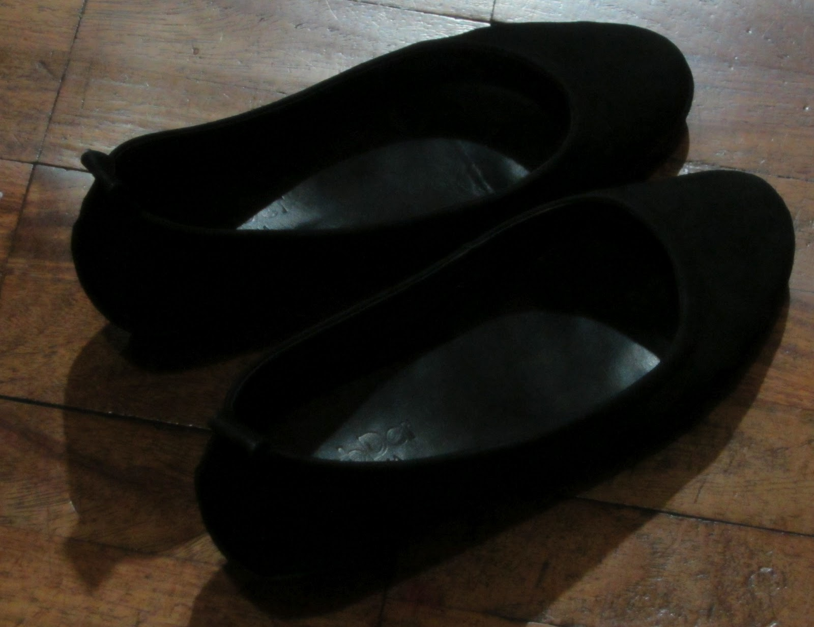 d2c0d291e9 The Best Black Ladies' Office Shoes for Flat Feet | Bilihing Pinoy