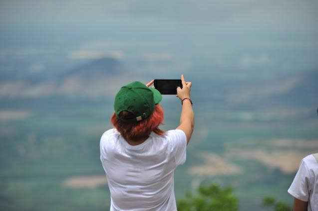 Leo đỉnh La Bàn trên Núi Dinh