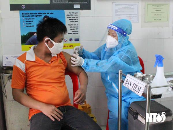 Các địa phương triển khai tiêm vắc xin phòng Covid-19
