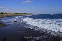 Ombak Pantai Munggu Bali