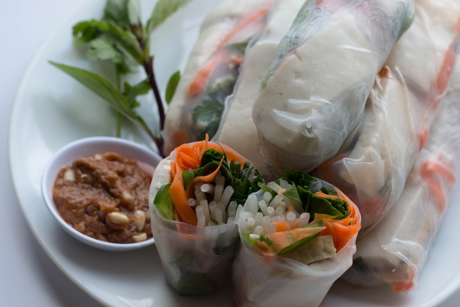 Vietnamese Spring Rolls With Spicy Peanut Sauce Ma Nutrition