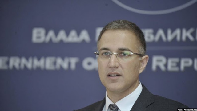 Il ministro russo conferma l'arrivo dei carri armati russi in Serbia