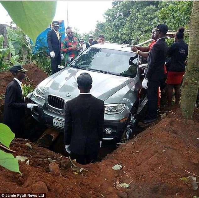 Nigerian-man-buries-father-in-BMW-car-worth-30-million