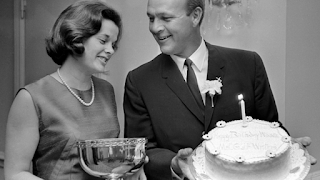 Arnold Palmer Holding Cake While His Wife C Winnie Holds His Golden Tee Award Png