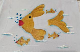 peixinho dourado pintado em tecido