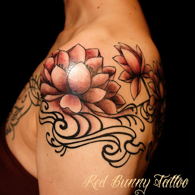 lotus flower tattoo 蓮 流水 タトゥー