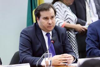 Rodrigo Maia afirma que Congresso discutirá adiamento de eleição sem estender mandatos