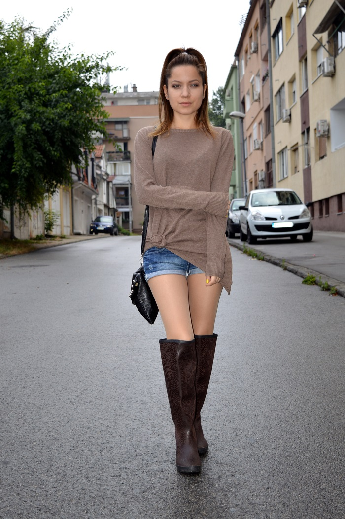 outfit, over the knee boots, rain boots, calliope brown oversize sweater, blue denim shorts