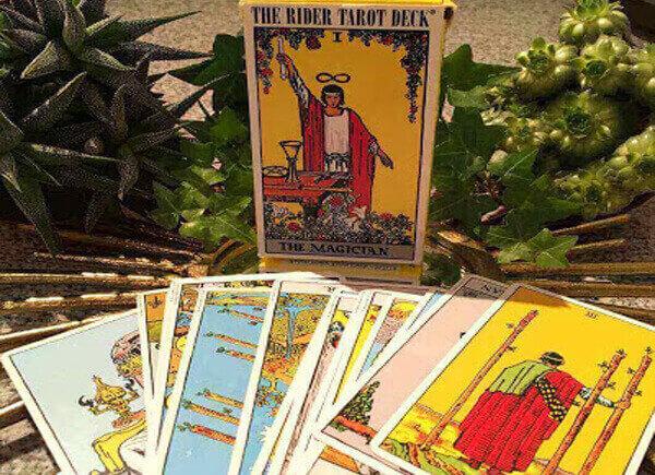 Mua bộ bài Tarot Rider Waite/Smith Waite - giá chỉ 60K