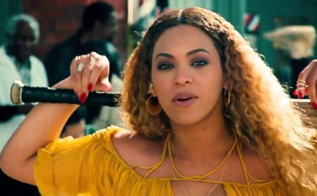 """Beyoncé celebra sus 35 años, estrenando su nuevo videoclip """"Hold Up"""""""