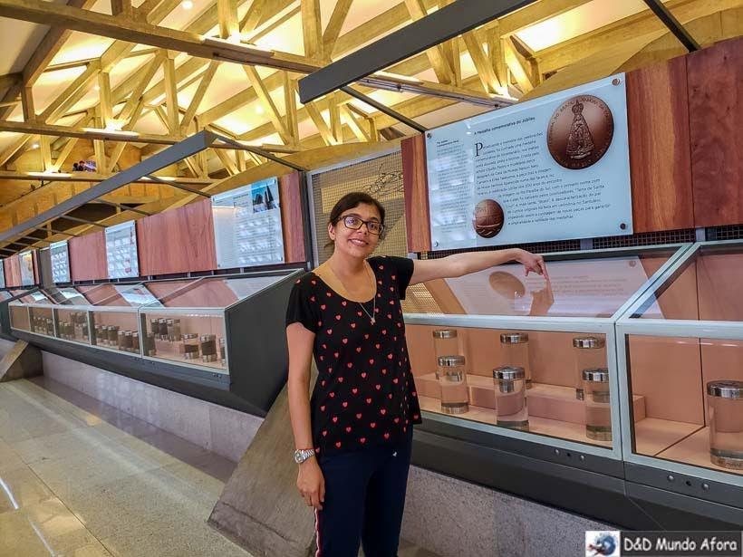 Amostras de água e terra dos estados do Brasil em Exposição na Cúpula do Santuário Nacional de Aparecida