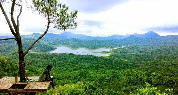 Pemandangan Kalibiru Kulonprogo