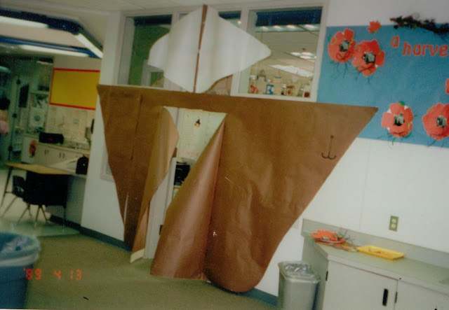 Turn your classroom entrance into the Mayflower Ship for fun Thanksgiving rotations and party