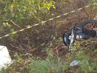 Homens em moto tentam assaltar caminhão de verdureiro próximo à Baraúna e se envolvem em acidente