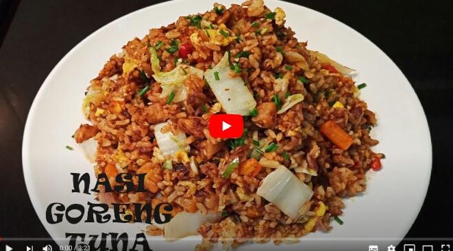 Nasi goreng dengan tuna kalengan