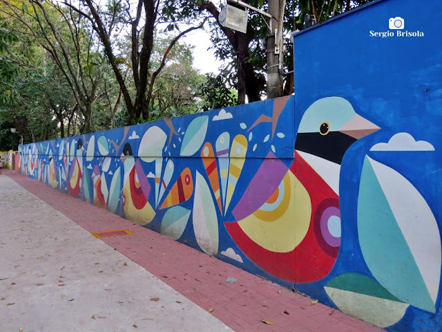 Vista lateral do Mural da APAE de São Paulo - Vila Clementino