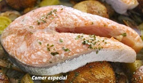 Receta fácil de trucha asalmonada con verduras al horno