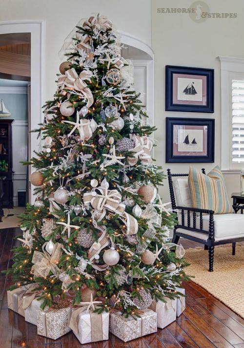 Neutral Beige Coastal Christmas Tree