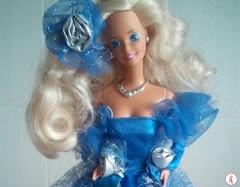 Коллекционная кукла Барби в синем платье: Royal Romance Barbie 1992