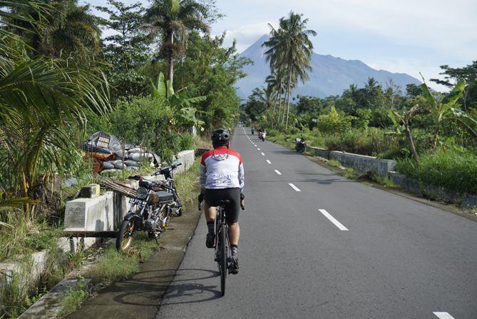 Bersepeda ke Dusun Turgo