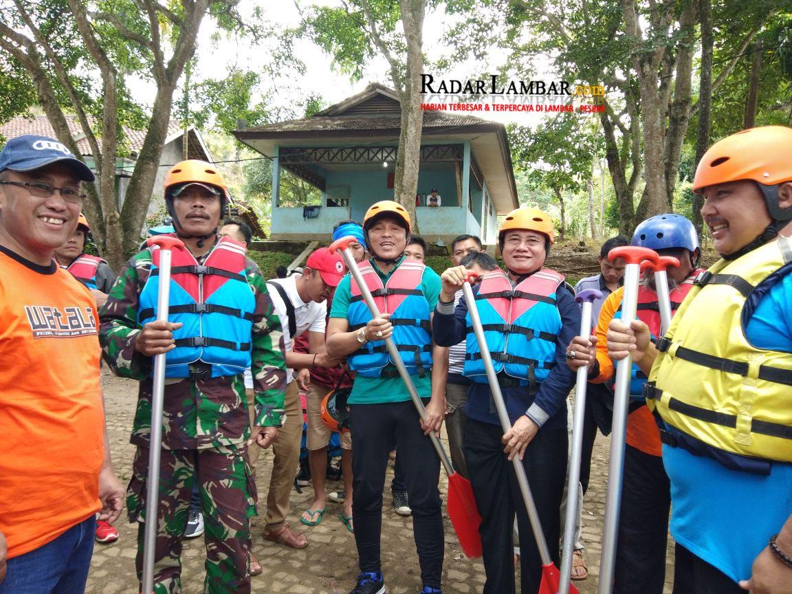PM Nikmati Wisata Arung Jeram Sungai Besai