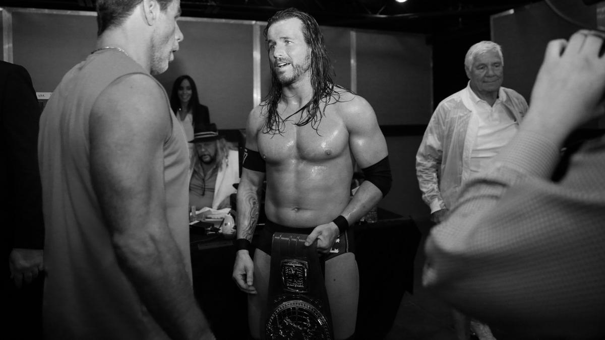 Adam Cole gostaria de enfrentar Shawn Michaels em uma Hell in a Cell Match