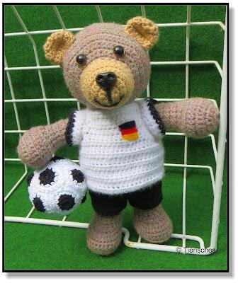 Maskottchen für Fußballfans, Teddybär mit Fußballtrikot