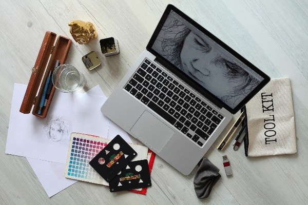 Top 10 Best Laptops For Graphic Designing in 2019 - Buyer's Guide & Reviews