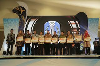 Pemkab. Lumajang Dapatkan Penghargaan PPID AWARD