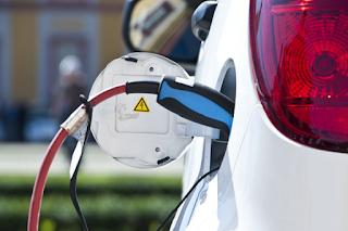 Las ITV ya notan la llegada de vehículos híbridos y eléctricos especialmente en Madrid