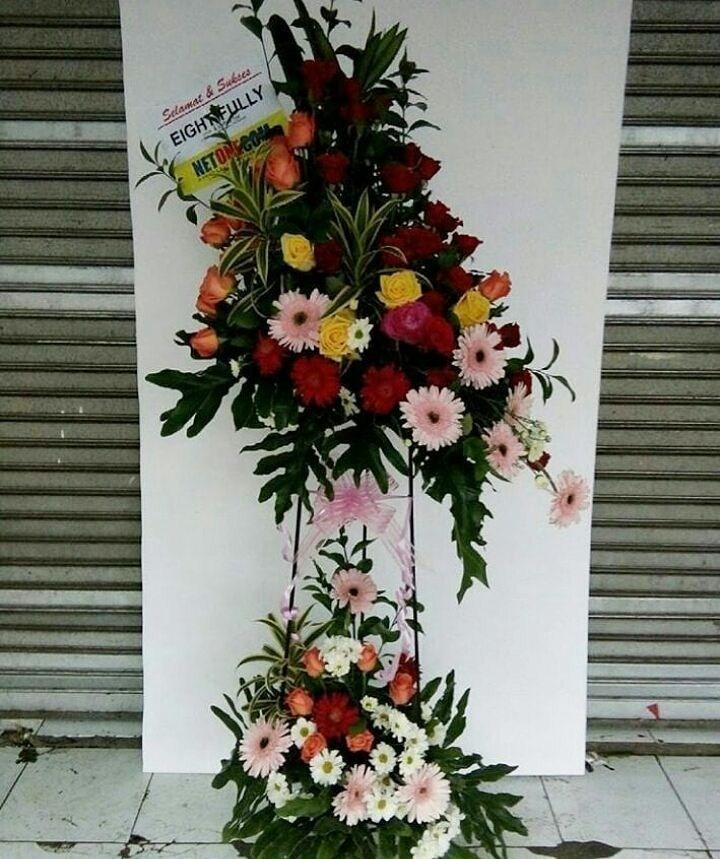 Karangan Bunga Standing Flowers 008