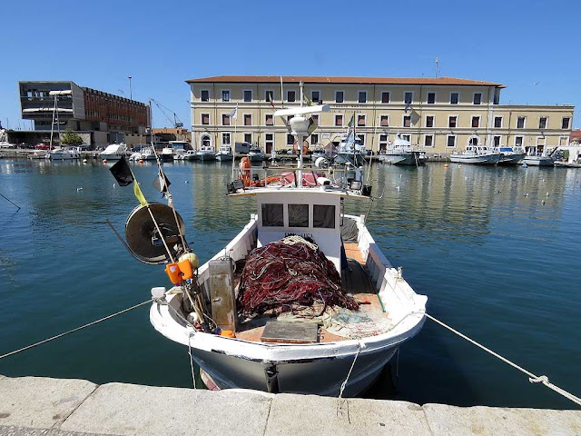 View of the Old Harbour or Pamiglione, Livorno