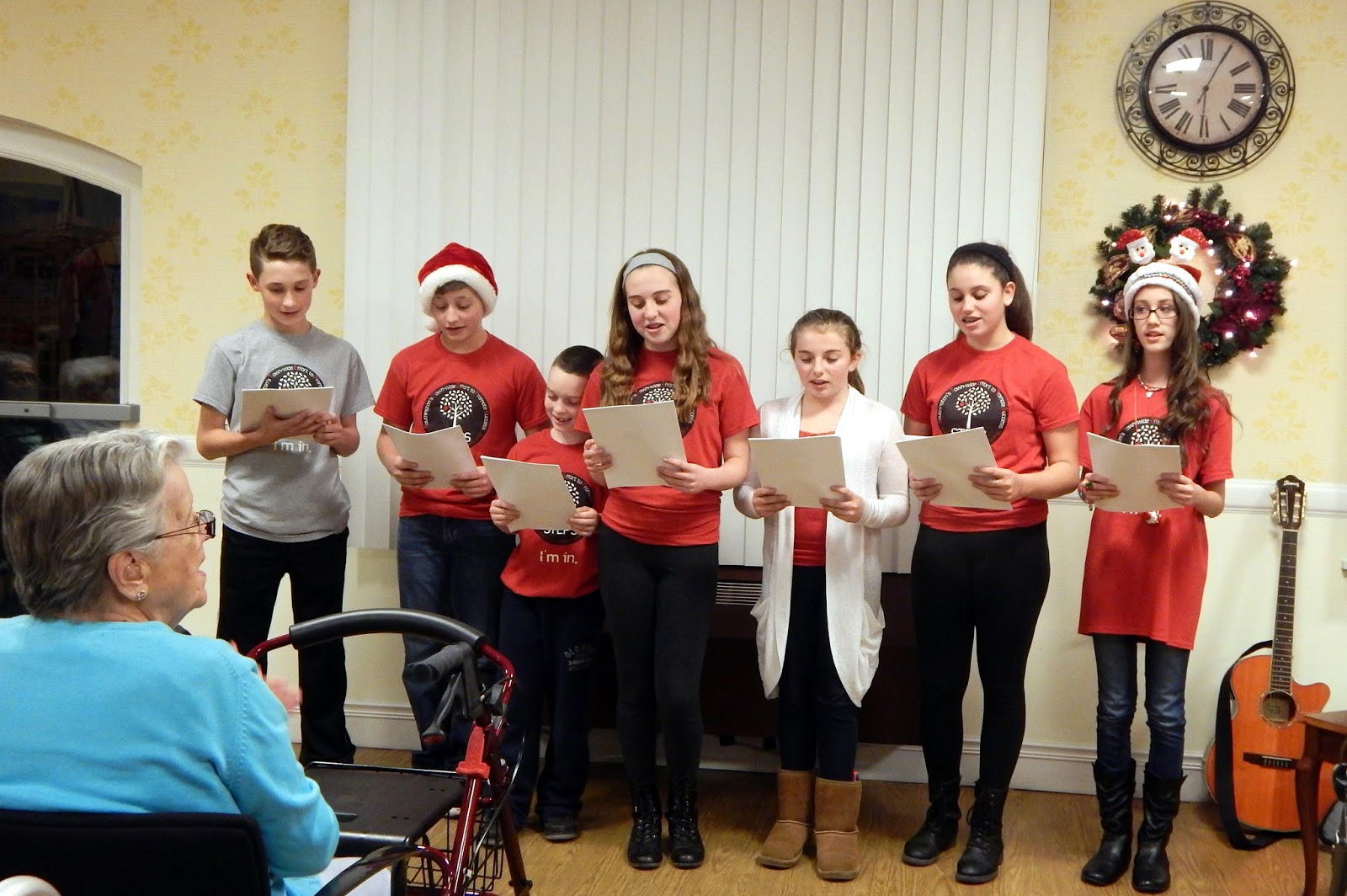 Appleseed steps youth group caroling at the mulberry gardens for Mulberry gardens southington ct