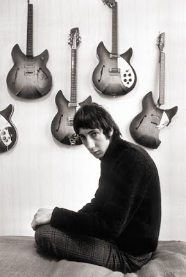 Rickenbacker,guitar_reference,Richard_Smith,1966_colin_jones_pete_townshend,psychedelic,rocknroll