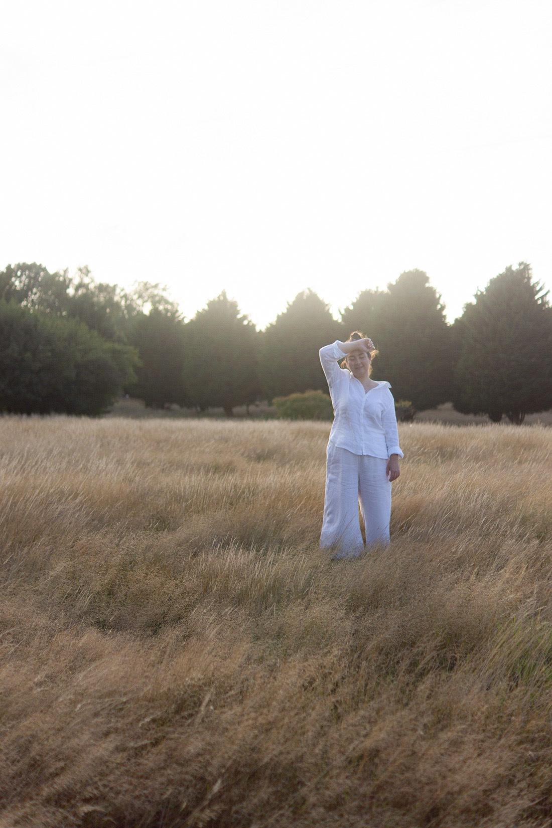 midsize-style-white-summer-linen