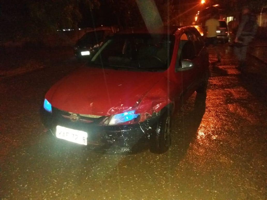 Veículos Acidentados na rua H do bairro Cohab Velha