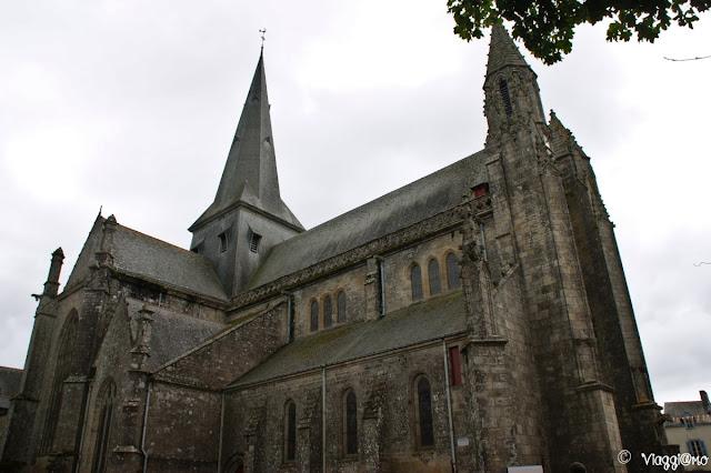 La sagoma della collegiale di Saint Aubin di Guérande
