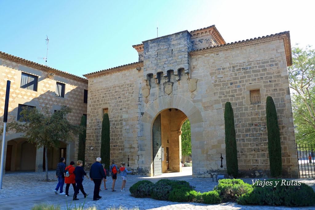 Puerta Dorada del Monasterio de Poblet, Tarragona