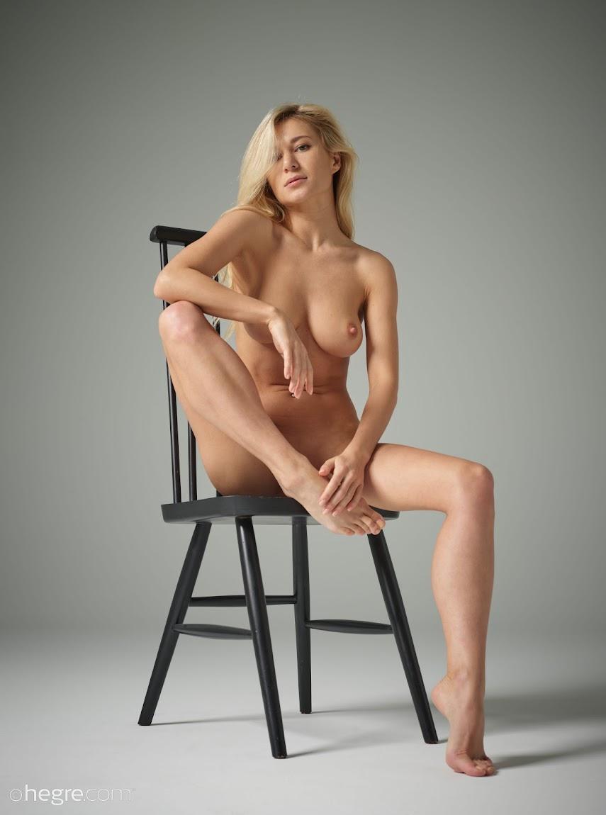 [Hegre-Art] Darina L - Nude Studio Photography 324425