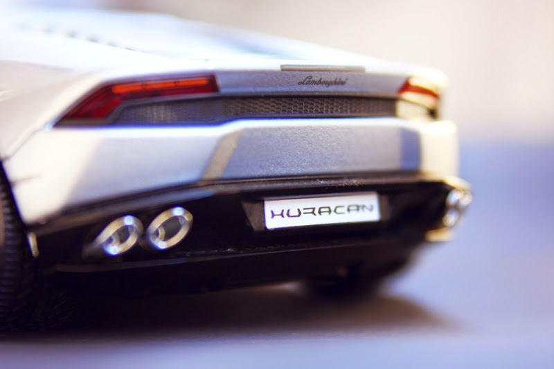 1/18 Bburago Lamborghini Huracán LP 610-4