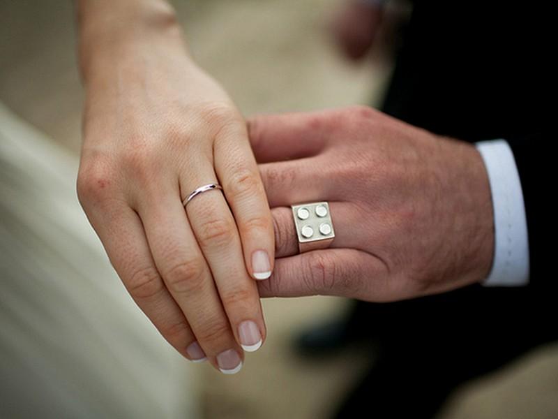 platinum lego themed wedding ring via a modular life - Wedding Ring Alternatives