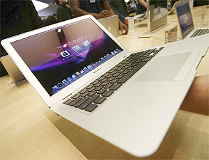 Ruba un Mac Book, condanna dal mondo di YouTube