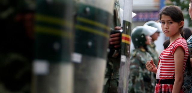 Muslim China Ungkap Perlakuan Kejam di Kamp Tahanan, Disiksa sampai Diperkosa Massal