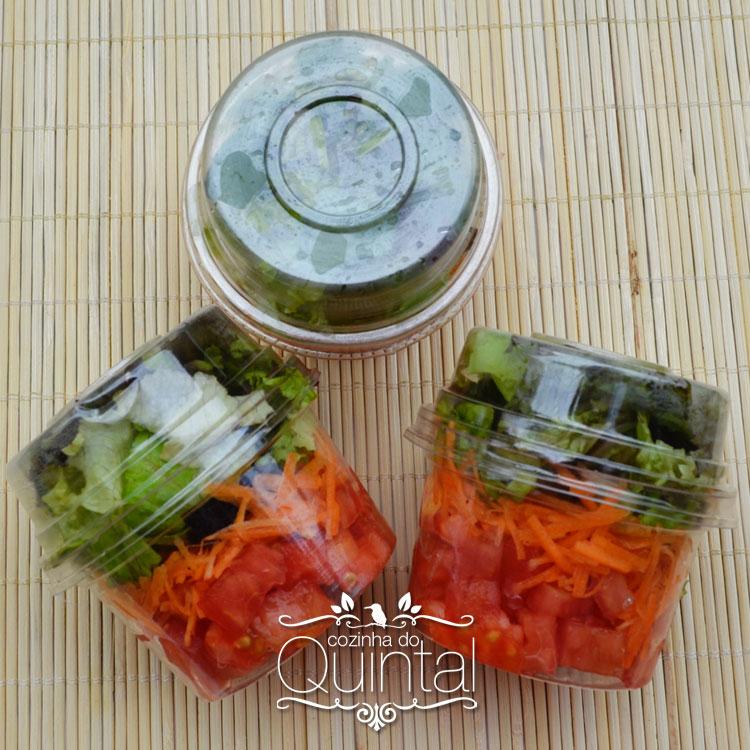Salada no potinho =)